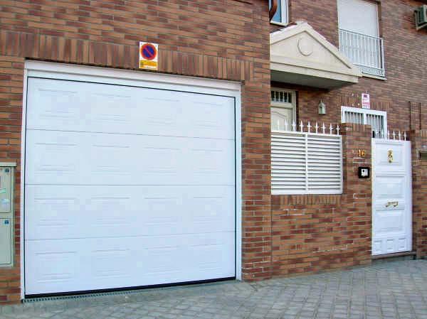 Puerta seccional automatica en rivas puertas de garaje - Puerta de garaje automatica ...